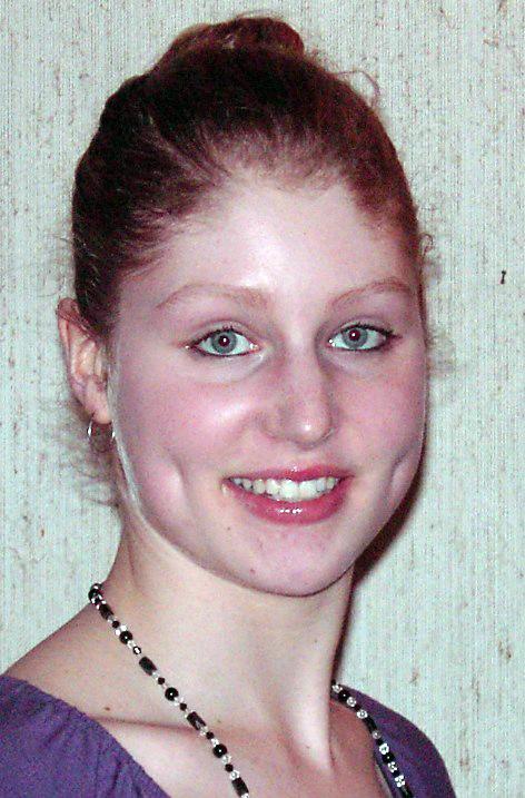 Jessica aus F�rth Haarfarbe: blond (mittel), Augenfarbe: blau-grau, Gr��e: 173, Deutsch: Muttersprache, Englisch: Fliessend, Franz�sisch: Fortgeschritten, Spanisch: leichte Konversation