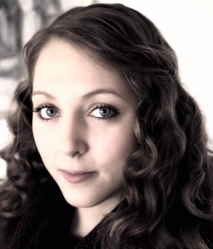 Annika aus Bamberg Haarfarbe: braun (hell), Augenfarbe: blau, Gr��e: 171, Deutsch: Muttersprache, Englisch: Fliessend, Franz�sisch: nein, Spanisch: nein