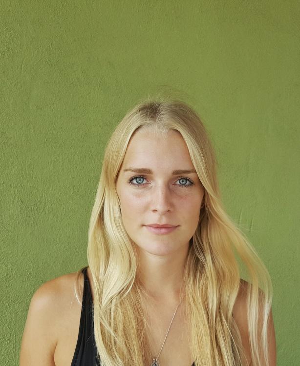 Charlotte aus Düsseldorf Haarfarbe: blond (mittel), Augenfarbe: blau, Größe: 172, Deutsch: Muttersprache, Englisch: Fliessend, Französisch: leichte Konversation, Spanisch: leichte Konversation