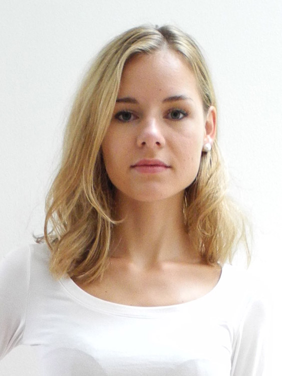 hostess Charline, Studium: Französisch, Personalentwicklung