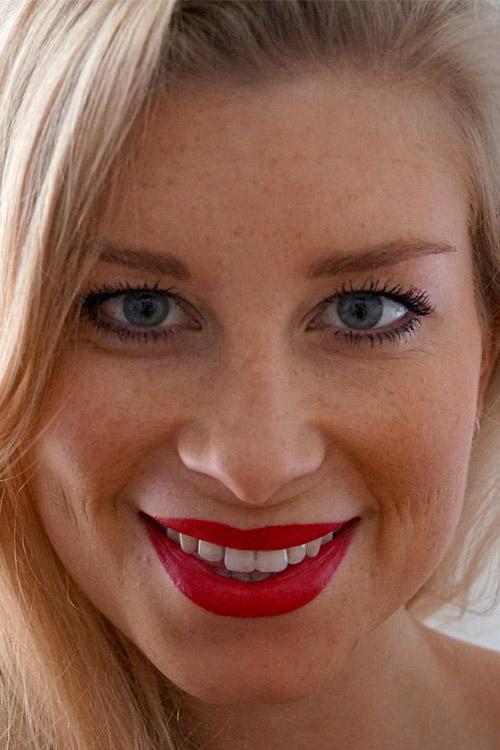 Sina aus Hannover Haarfarbe: blond (hell), Augenfarbe: blau, Gr��e: 175, Deutsch: Muttersprache, Englisch: Fliessend, Franz�sisch: leichte Konversation, Spanisch: nein