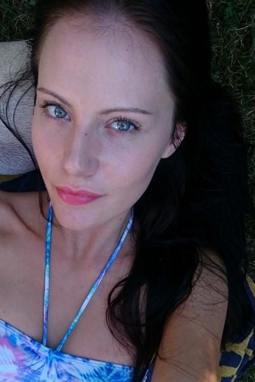 hostess Angelina , Studium: Soziale Arbeit