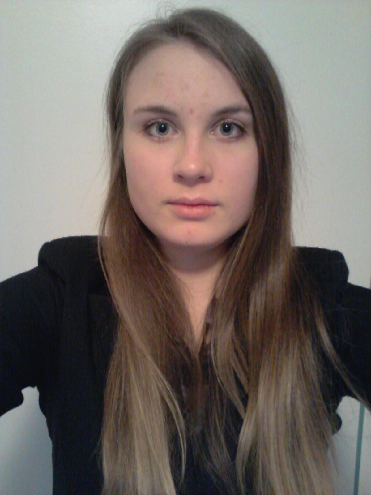 Magdalena  aus D�sseldorf Haarfarbe: blond (dunkel), Augenfarbe: blau-grau, Gr��e: 169, Deutsch: Muttersprache, Englisch: Fliessend, Franz�sisch: nein, Spanisch: nein