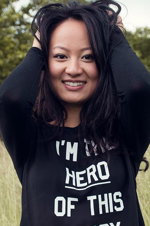 Jenny aus Frankfurt Haarfarbe: schwarz, Augenfarbe: braun, Größe: 160