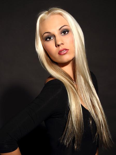 Maria aus Leipzig Haarfarbe: blond (hell), Augenfarbe: braun, Gr��e: 175, Deutsch: Muttersprache, Englisch: Fliessend, Franz�sisch: nein, Spanisch: Fortgeschritten