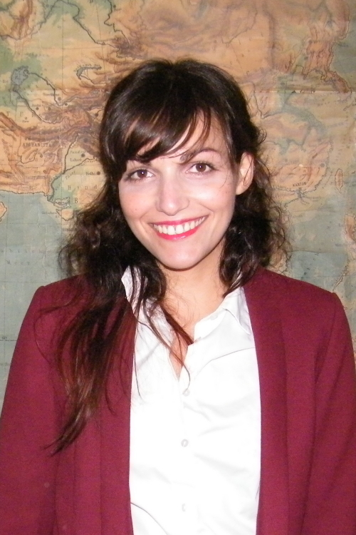 hostess Roya, Studium: Studio- und Synchronsprechen