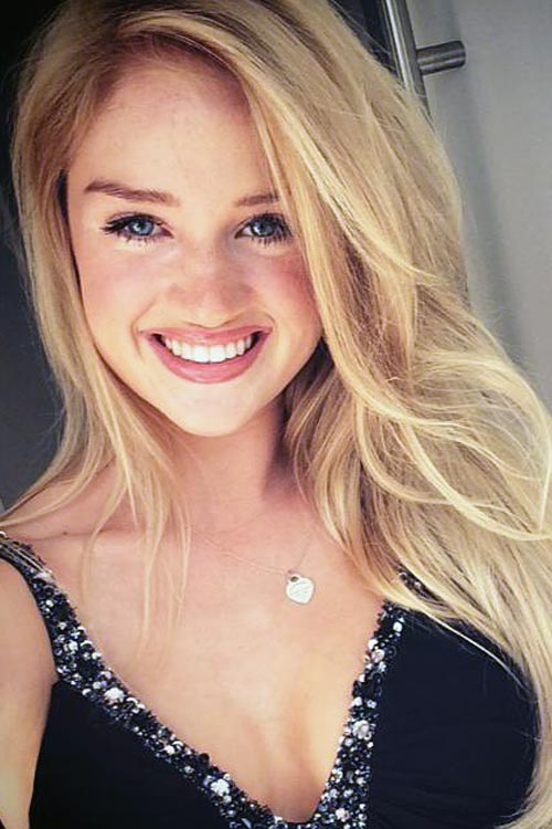 Model Tamara aus Mannheim Haarfarbe: blond (hell)