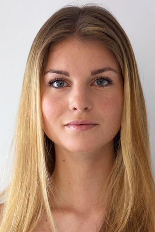 Model Laura aus Traunstein Haarfarbe: blond (mittel)