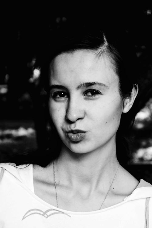 Model Elizaveta aus Mannheim Haarfarbe: braun (dunkel)