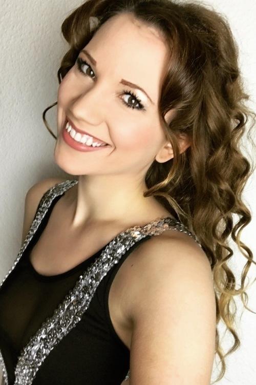 Model Tereza aus Berlin Haarfarbe: braun (mittel)