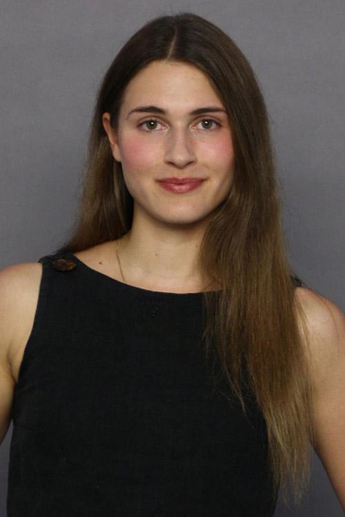 Paula aus Berlin Haarfarbe: braun (hell), Augenfarbe: braun-gr�n, Gr��e: 166, Deutsch: 0, Englisch: , Franz�sisch: , Spanisch: