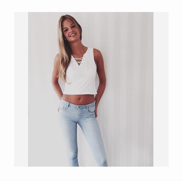 Annika Sophie aus Hannover Haarfarbe: blond (dunkel), Augenfarbe: braun, Gr��e: 179, Deutsch: 0, Englisch: , Franz�sisch: , Spanisch: