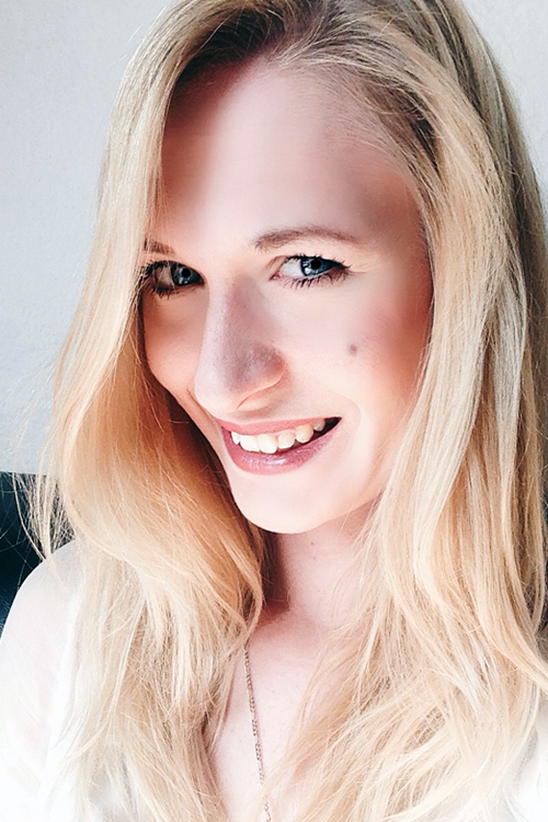 Model Diandra aus Garbsen Haarfarbe: blond (hell)