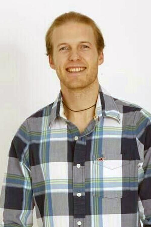 Sebastian aus Berlin Haarfarbe: blond (dunkel), Augenfarbe: blau, Gr��e: 187, Deutsch: 0, Englisch: , Franz�sisch: , Spanisch: