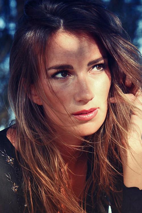 Sabrina aus Düsseldorf Haarfarbe: braun (hell), Augenfarbe: braun, Größe: 171, Deutsch: 0, Englisch: , Französisch: , Spanisch: