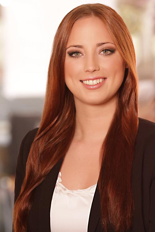 Lisa aus D�sseldorf Haarfarbe: braun (mittel), Augenfarbe: gr�n, Gr��e: 174, Deutsch: 0, Englisch: , Franz�sisch: , Spanisch: