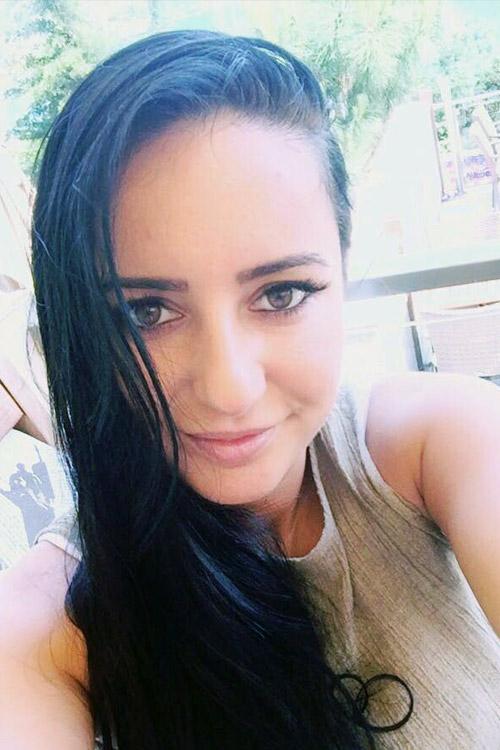 Melike aus Hagen Haarfarbe: schwarz, Augenfarbe: braun, Gr��e: 160, Deutsch: 0, Englisch: , Franz�sisch: , Spanisch: