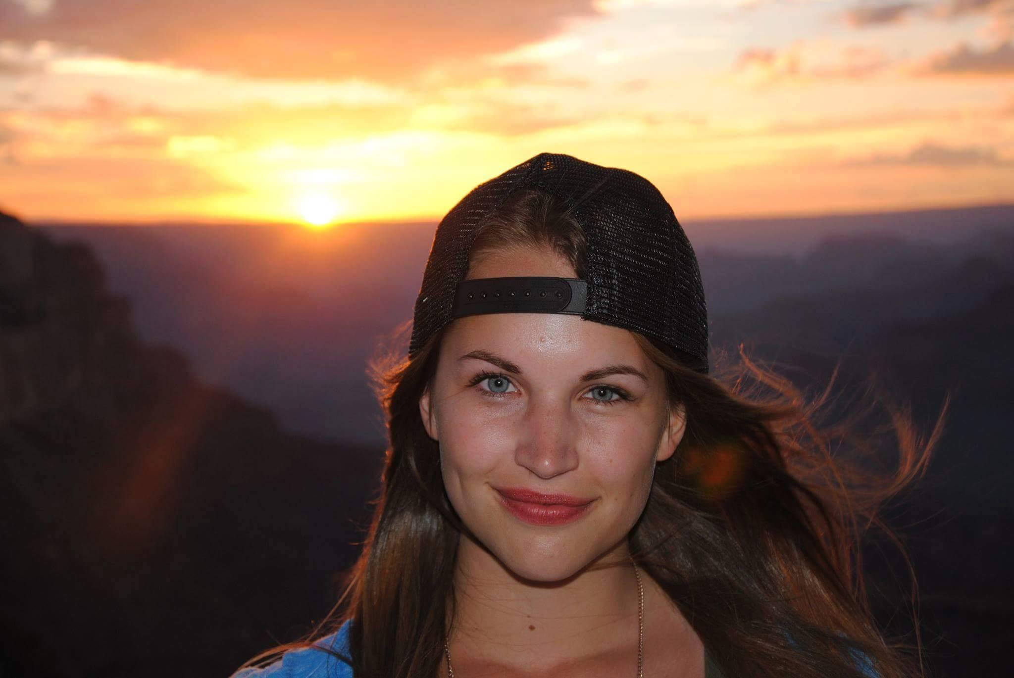 Viktoria aus Frankfurt (Oder) Haarfarbe: braun (hell), Augenfarbe: blau-grau, Gr��e: 168, Deutsch: 0, Englisch: , Franz�sisch: , Spanisch: