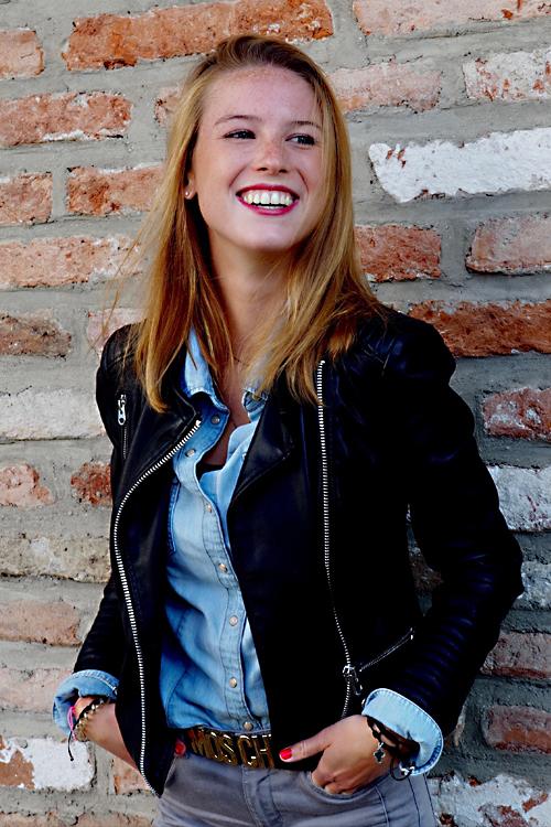 Melina aus Kempten Haarfarbe: blond (dunkel), Augenfarbe: blau-grün, Größe: 170