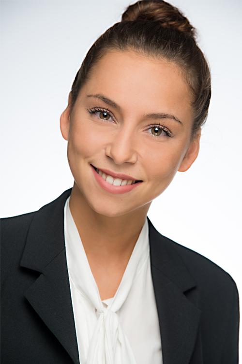 Leonie aus Herne / M�nchen Haarfarbe: braun (mittel), Augenfarbe: braun-gr�n, Gr��e: 171, Deutsch: 0, Englisch: , Franz�sisch: , Spanisch: