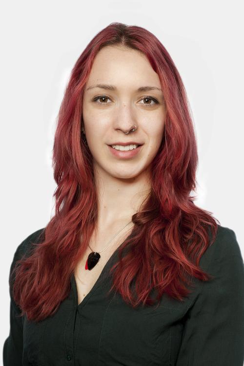 Sandra aus Leipzig Haarfarbe: rot (feurig), Augenfarbe: braun, Größe: 167, Deutsch: 0, Englisch: , Französisch: , Spanisch: