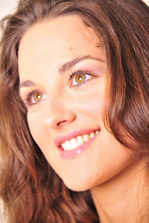 Jennifer aus M�nchen Haarfarbe: braun (mittel), Augenfarbe: gr�n, Gr��e: 173, Deutsch: 0, Englisch: , Franz�sisch: , Spanisch: