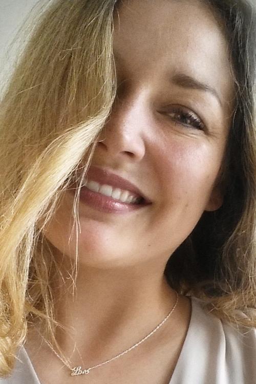 Jana aus K�ln Haarfarbe: blond (hell), Augenfarbe: braun, Gr��e: 174, Deutsch: 0, Englisch: , Franz�sisch: , Spanisch: