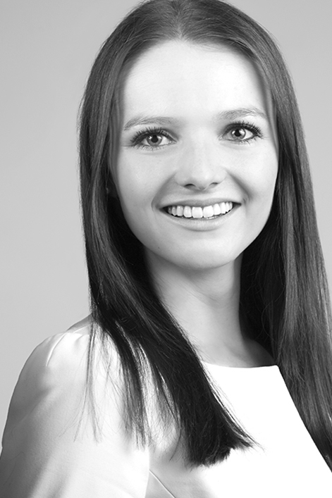 Theresa aus Augsburg Haarfarbe: braun (mittel), Augenfarbe: blau, Gr��e: 170, Deutsch: 0, Englisch: , Franz�sisch: , Spanisch: