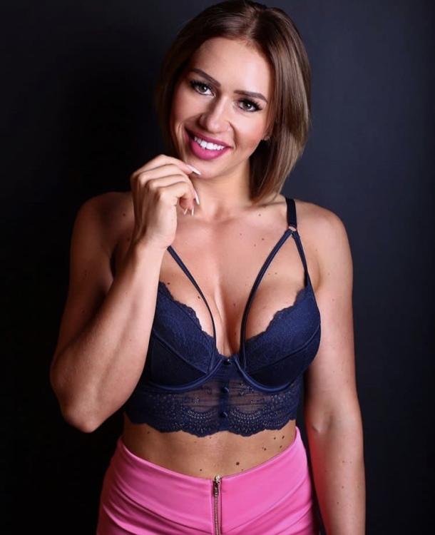 Model Tatjana aus Fachingen Haarfarbe: braun (mittel)