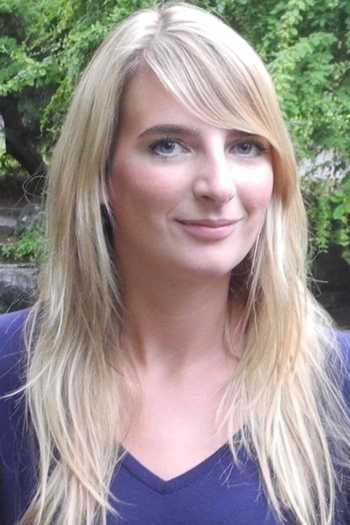 Model Julia aus Voerde Haarfarbe: blond (mittel)