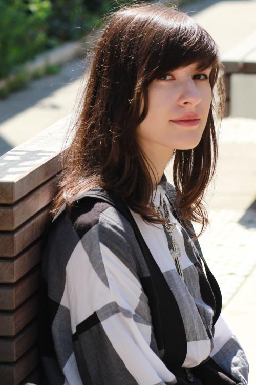 Juinivere aus Leipzig Haarfarbe: braun (dunkel), Augenfarbe: braun, Gr��e: 172, Deutsch: 0, Englisch: , Franz�sisch: , Spanisch: