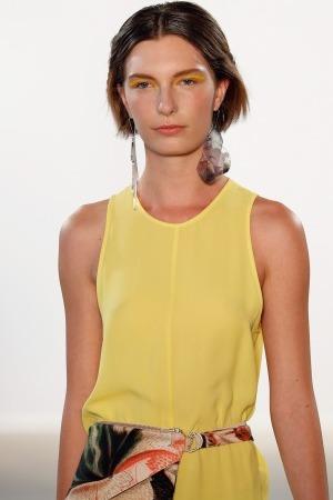 Model Lara aus München Haarfarbe: braun (hell)