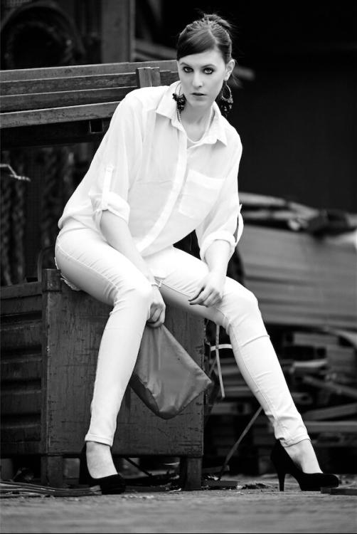 Model Julia aus Aachen Haarfarbe: blond (mittel)