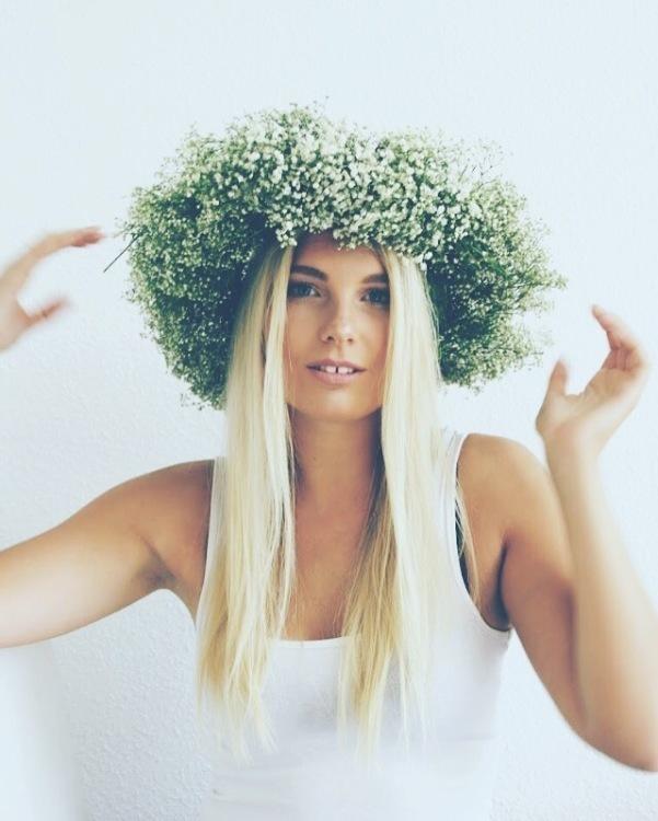 Model Marie aus Hannover Haarfarbe: blond (mittel)