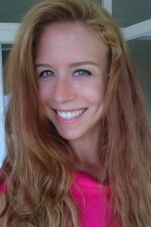 Claudia aus München Haarfarbe: blond (mittel), Augenfarbe: grün, Größe: 169, Deutsch: 0, Englisch: , Französisch: , Spanisch: