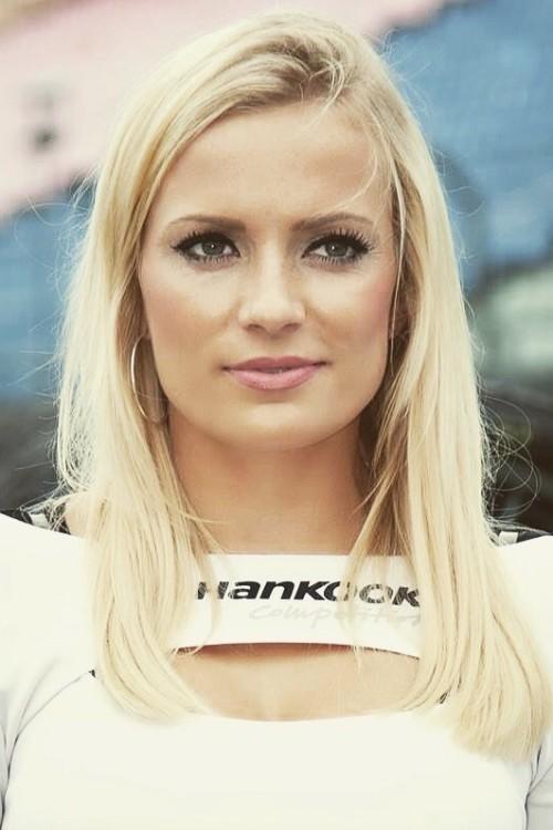 Isabell aus Frankfurt am Main Haarfarbe: blond (hell), Augenfarbe: blau-gr�n, Gr��e: 170, Deutsch: 0, Englisch: , Franz�sisch: , Spanisch: