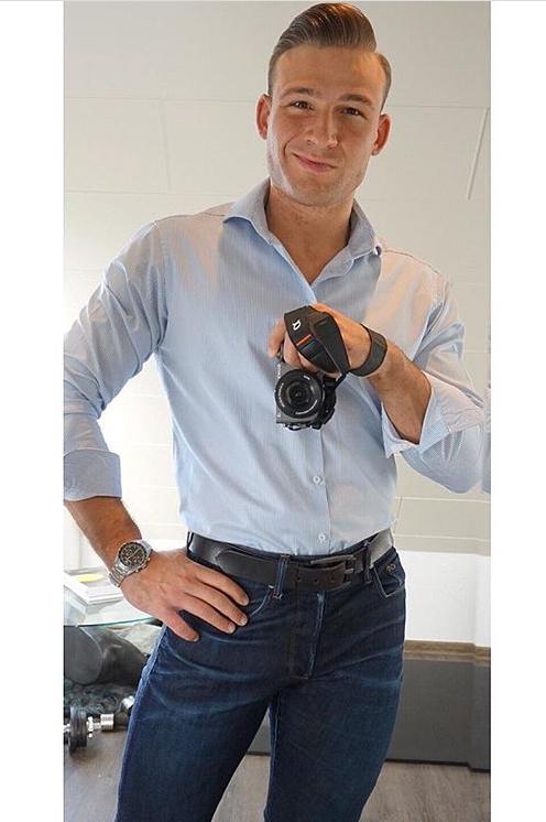 Alexander aus Neunkirchen-Seelscheid Haarfarbe: braun (hell), Augenfarbe: braun, Größe: 186, Deutsch: 0, Englisch: , Französisch: , Spanisch: