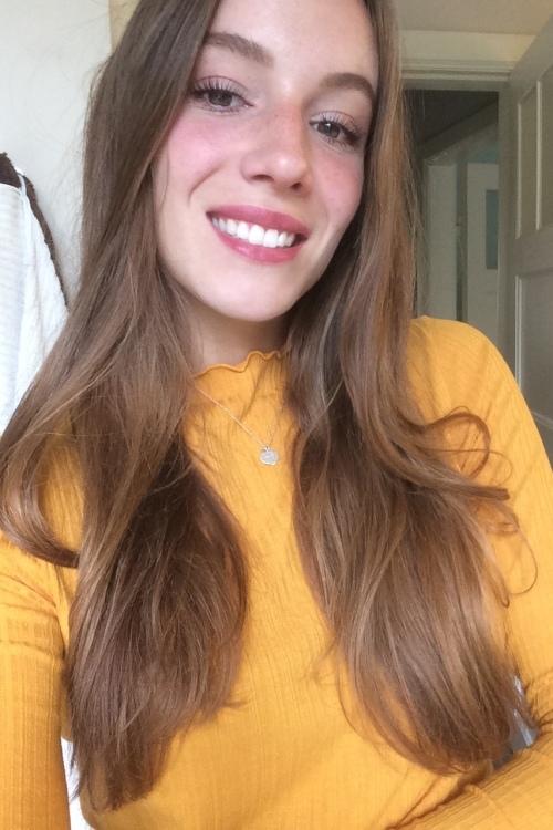 Lena aus Hamburg Haarfarbe: braun (mittel), Augenfarbe: braun, Größe: 170, Deutsch: 0, Englisch: , Französisch: , Spanisch: