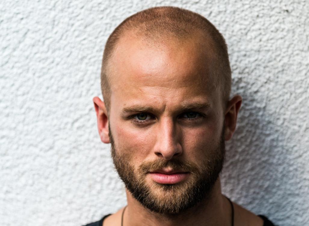 Lorenz aus Bergneustadt Haarfarbe: blond (mittel), Augenfarbe: grün, Größe: 189, Deutsch: 0, Englisch: , Französisch: , Spanisch: