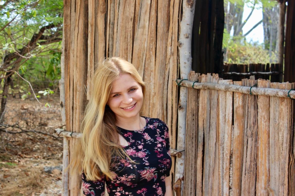 Sonja aus Leipzig Haarfarbe: blond (mittel), Augenfarbe: grün, Größe: 160, Deutsch: 0, Englisch: , Französisch: , Spanisch: