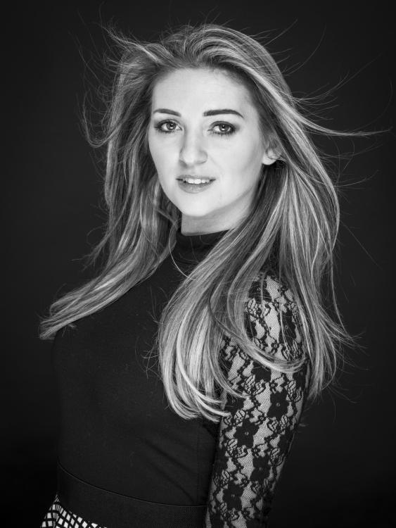 Model Jana aus Weimar Haarfarbe: blond (mittel)