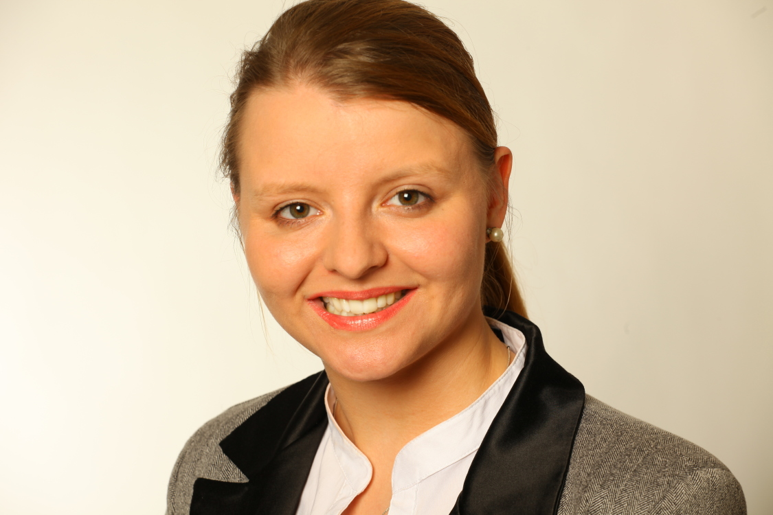 Aneta aus Hannover Haarfarbe: braun (hell), Augenfarbe: braun-grün, Größe: 163, Deutsch: 0, Englisch: , Französisch: , Spanisch: