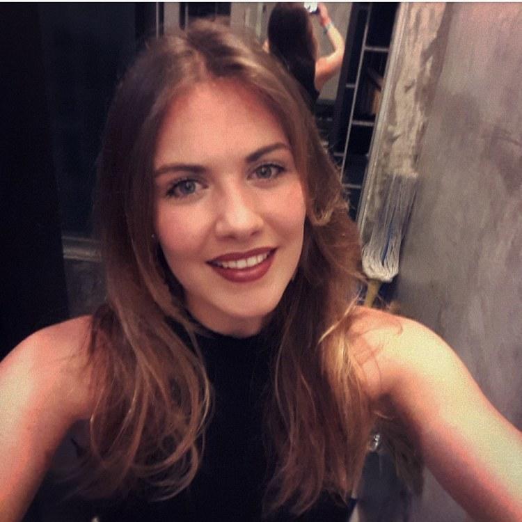 Clara aus Konstanz Haarfarbe: blond (dunkel), Augenfarbe: blau-grün, Größe: 173