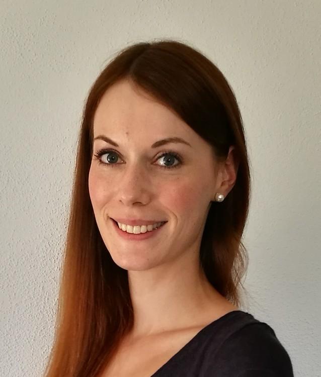 Ann-Katrin  aus Ansbach Haarfarbe: rot (braun), Augenfarbe: blau, Größe: 178, Deutsch: 0, Englisch: , Französisch: , Spanisch: