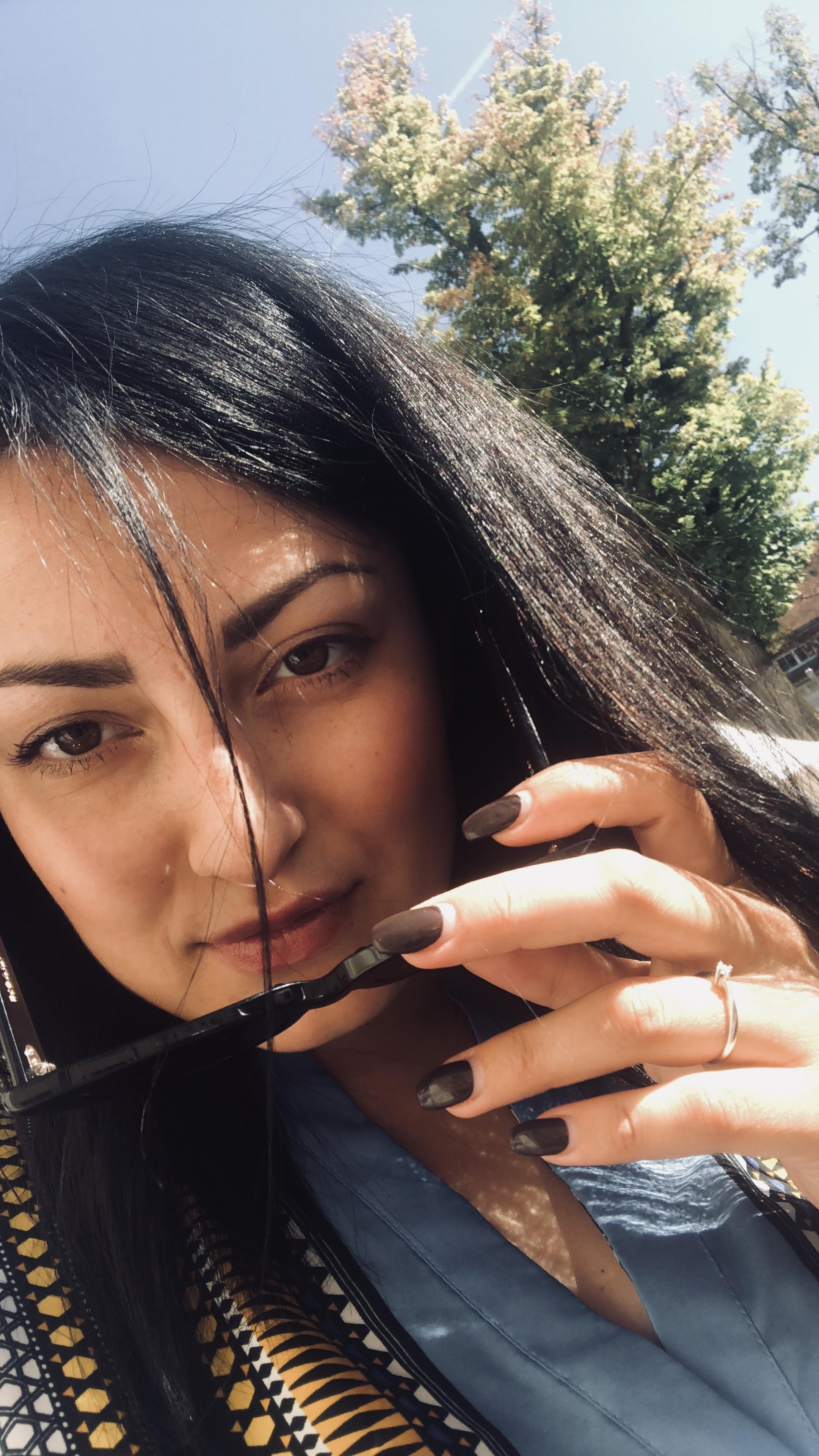 Model Leyla aus Verona Haarfarbe: schwarz