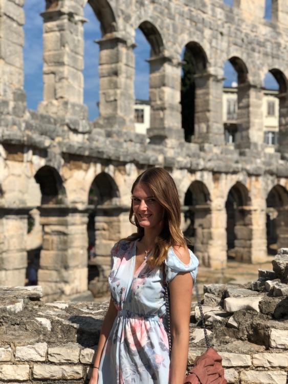 Hostess Alena aus Siegen, Konfektion 38, Studium Kommunikation (Englisch) & Medien