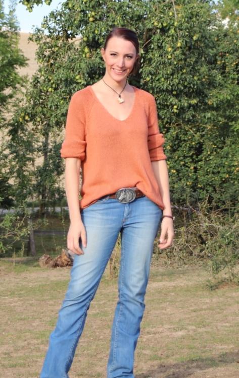Hostess Ramona aus Ergolding, Konfektion 38, Studium Film & Animation