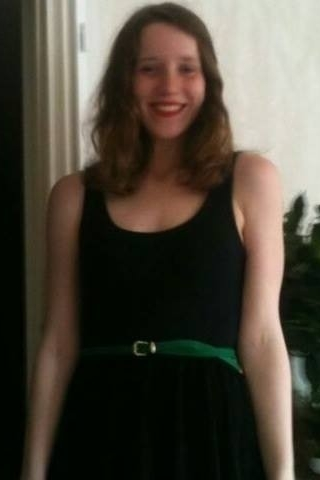 Alina aus Münster Haarfarbe: braun (hell), Augenfarbe: grün-grau, Größe: 172
