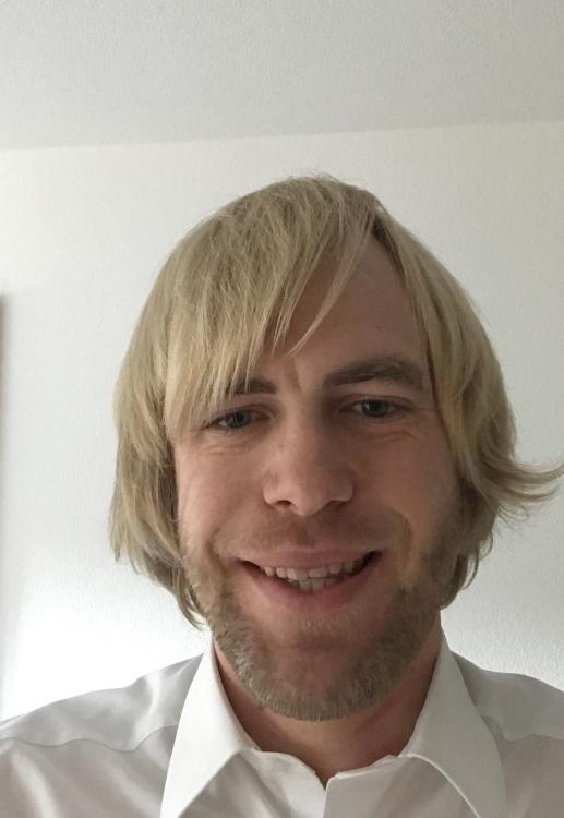 Oliver aus Netphen Haarfarbe: blond (mittel), Augenfarbe: blau, Größe: 192, Deutsch: 0, Englisch: , Französisch: , Spanisch: