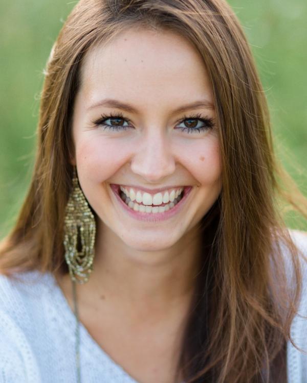 Franziska aus Heidelberg Haarfarbe: braun (mittel), Augenfarbe: braun, Größe: 169, Deutsch: 0, Englisch: , Französisch: , Spanisch:
